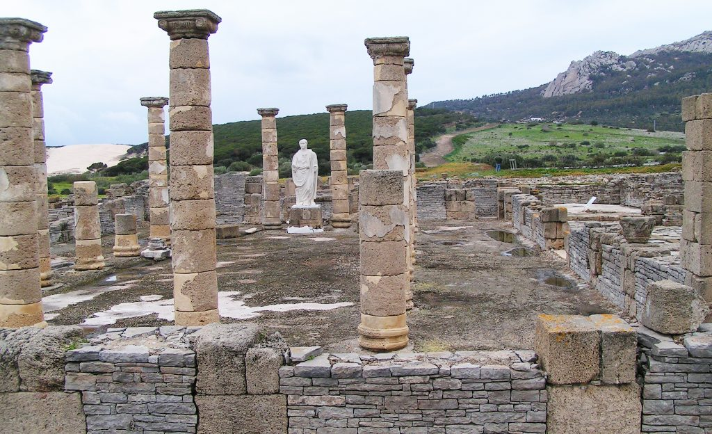 Baelo Claudia en la Playa de Bolonia, Tarifa, era la más importante ciudad romana y además era factoria de salazón